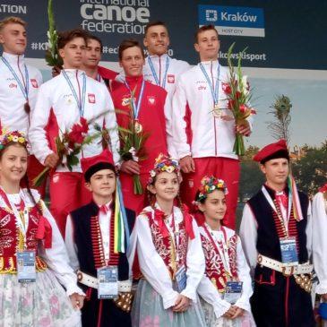 """Ziemia Lisiecka"""" uczestniczyła w ceremonii wręczania medali podczas Mistrzostw Europy Juniorów i Młodzieżowców w slalomie kajakowym"""